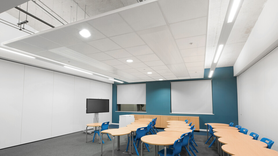Featured products: Rockfon Tropic®, 600 x 600